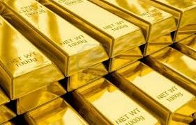 Vàng giảm xuống thấp hơn sau tháng giao dịch tốt nhất trong vòng 4 năm qua