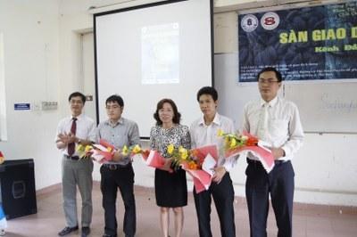 Chia sẻ kinh nghiệm giao dịch tại Đại Học Ngân Hàng TPHCM 2012 | hoangngocson.com
