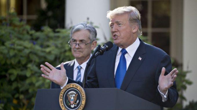 """Tiếp tục công khai chỉ trích Fed, Trump tuyên bố """"không một chút vui vẻ"""" khi bổ nhiệm Jerome Powell"""
