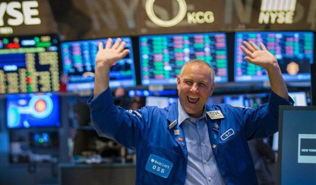 """Chứng khoán châu Á phi mã, Dow Jones futures tăng hơn 400 điểm nhờ """"ngừng bắn"""" chiến tranh thương mại"""